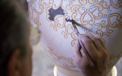 vasi ceramica di vietri avossa rossoaltramonto dipinti a mano decorazioni