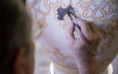 vasi ceramica di vietri avossa rossoaltramonto dipinti a mano decorazione