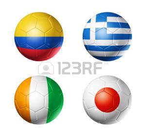 24439214-palloni-da-calcio-3d-con-gruppo-c-bandiere-squadre-mondiali-di-calcio-brasile-2014-isolato-su-bianco