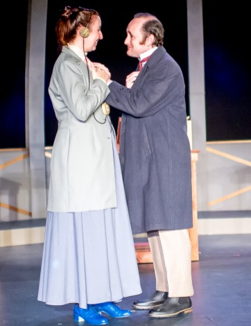 Isabelle Grimm as Henrietta Leavitt, Peter Warden as Peter Shaw
