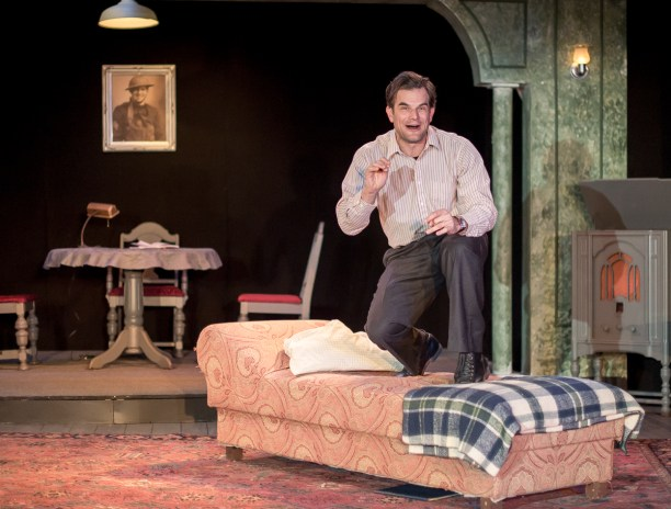 Greg Crane as Tom Wingfield