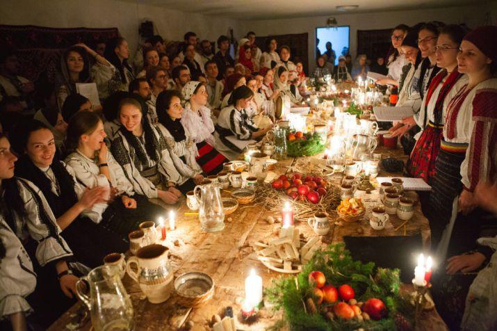 Colindători la Mănăstirea Oașa (Alba). Foto: Pr. Pantelimon Șușnea