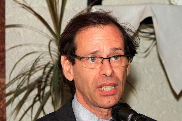 Doctorul agramat din fruntea Institutului antiromânesc Elie Wiesel