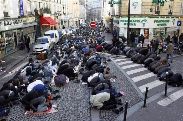 paris-street-prayers