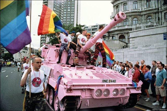 """Efectele legalizării """"căsătoriei"""" între persoane de același sex asupra societății – lecția Canadei"""
