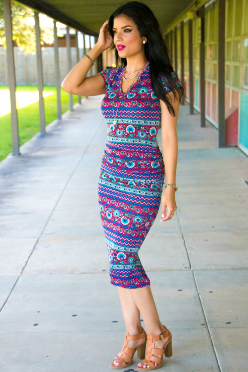 V-Neck Bodycon + Pattern Details - Rosy | Peña