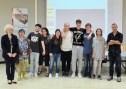 L'intera classe 4B viene premiataAtzeni Alessandra, Fedeli Simone, Gai Giacomo, Krismer Benedetta, Maio Stefano, Petri Tommaso, Vagnetti Alessandro