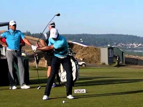 tiger golf stance