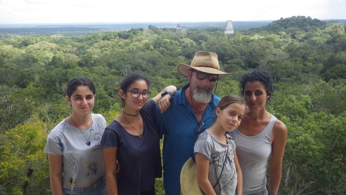 טיול משפחתי בגוואטמלה – חבל פטן, אתרי תרבות המאיה טיקאל ויאשה
