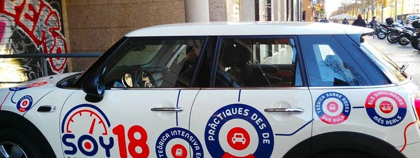 rotulación vehículo autoescuela soy18