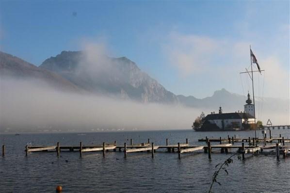 Traunsee_Gmunden_Schloss-Ort