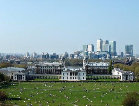 Greenwich_Park,_Queen's_House,_Greenwich_Hospital,_Thames_&_Canary_Wharf