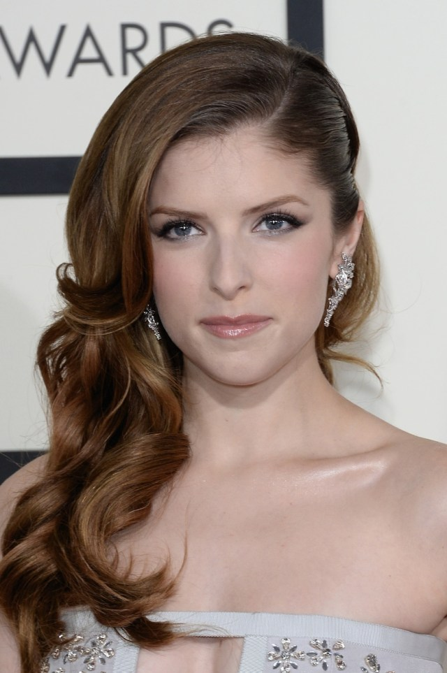 grammys 2014 beauty: anna kendrick hairstyle & makeup   rouge 18