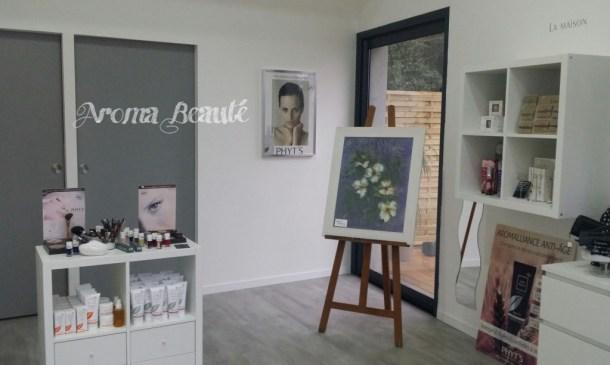 """Exposition du tableau """"Poésie Fleurie""""à l'institut Aroma Beauté"""