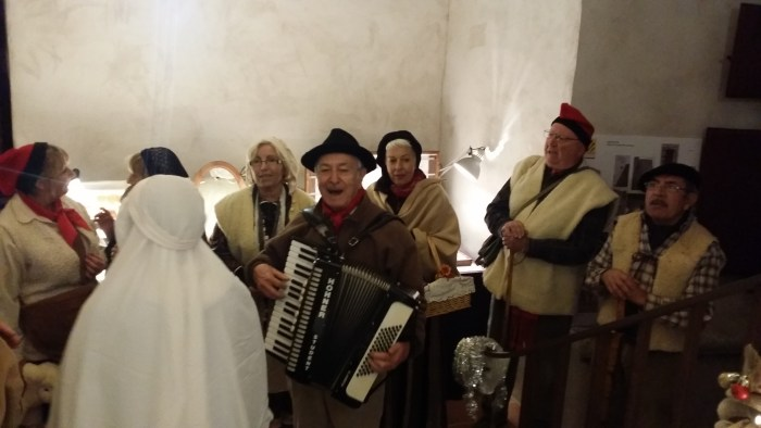 Les Cantarelles à la cour de noël
