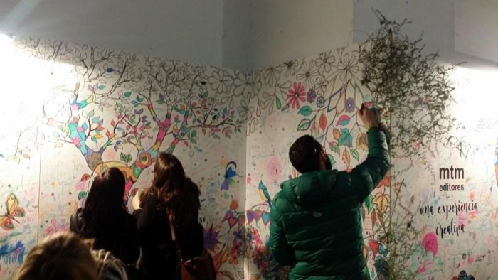 """Sur les murs du """"Handmade Festival"""", de grands zentangles"""