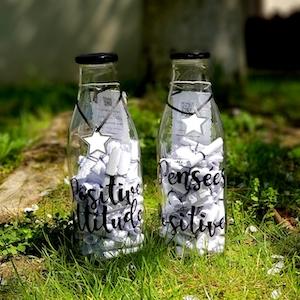Des bouteilles remplies de pensées postives pour lui offrir un cadeau original