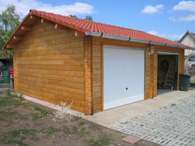 Garage en bois massif