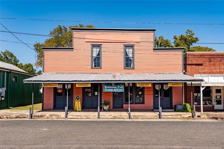 112-s-live-oak-street-0