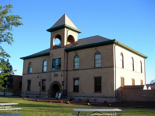 Navajo County Courthouse in Holbrook soon will get a new roof
