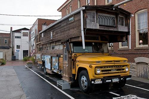 Bob Waldmire school bus