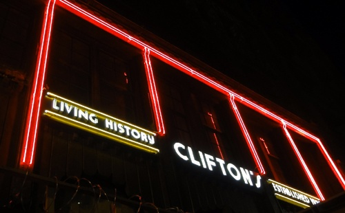 Clifton's Cafeteria reopens to huge crowds