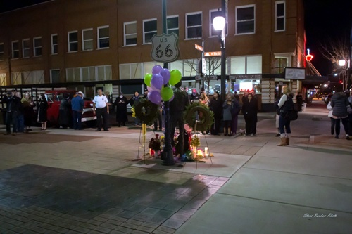 Nearly 200 attend Glenn Frey memorial in Winslow