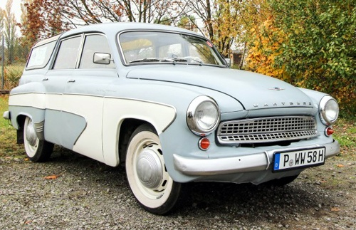 German trio wants to drive a Wartburg car on Route 66