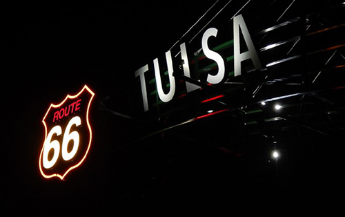 Tulsa-Route-66-Gateway-night-closeup