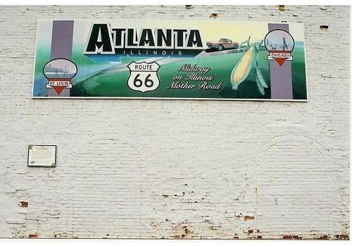 Atlanta, IL, bar wall