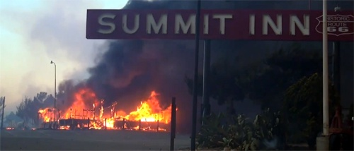 Wildfire destroys landmark Summit Inn