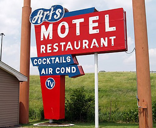 Art's Motel sign in Farmersville taken down