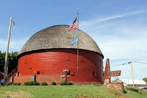 A look back at the Round Barn, Ted Drewes and Dixie Truckers Home