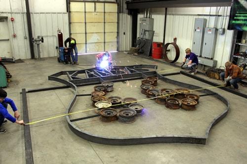 FFA students create Route 66 sculpture for Riverton