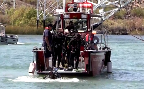At least 1 dead in boating accident near Topock 66, Pirate Cove