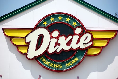 Grandchildren of Dixie Truckers Home founders pay a visit