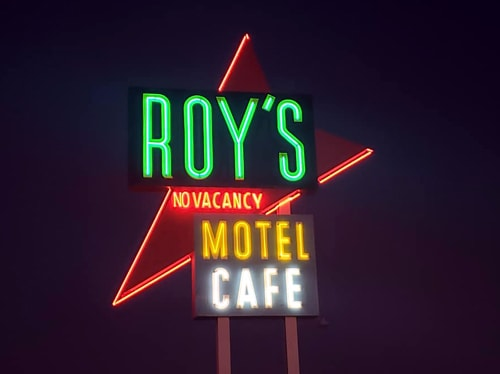Roy's sign in Amboy glows again for the first time in 30 years