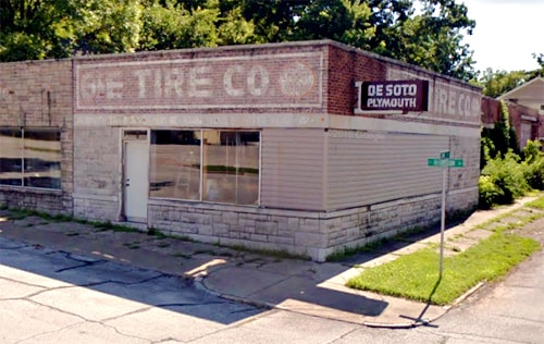 Family buys long-closed G&E Tire Co. building, DeSoto neon sign in Carthage