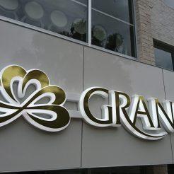 GRANCIA LED内照式チャンネル文字