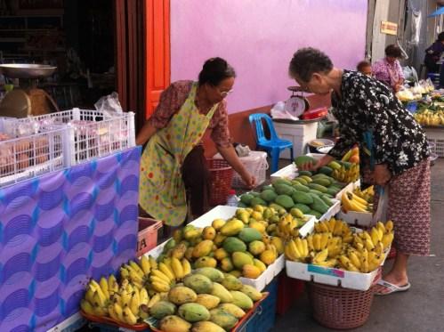 Street market at Ban Phe