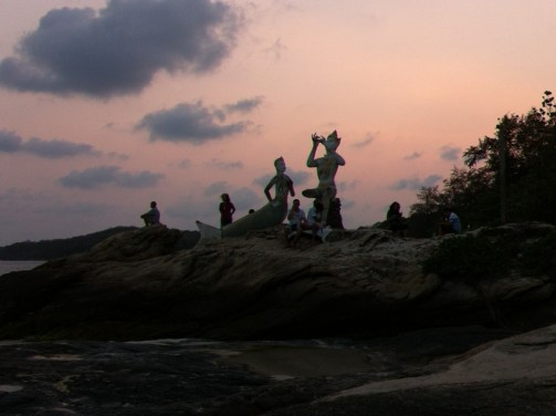 Ko Samet statues after sunset