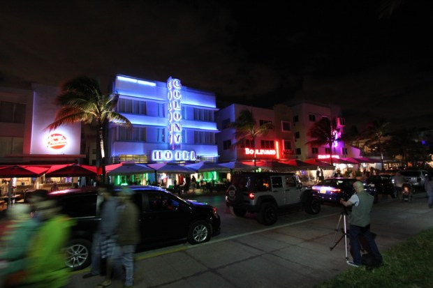 Colony Hotel, Ocean Drive art deco district