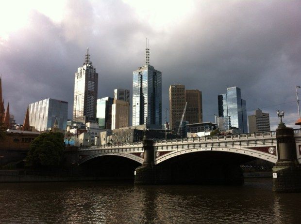Yarra River walk in Melbourne: CBD skyscrapers