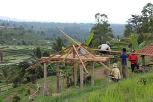 Buliding a Balinese house