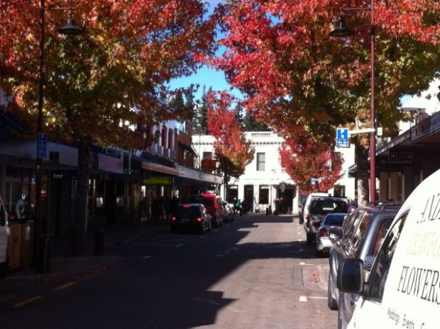 Queenstown restaurant street