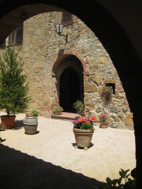 Agriturismo Casalpiano inner court
