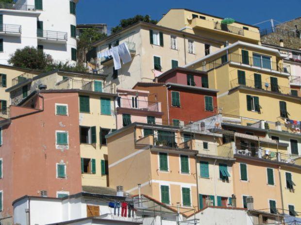 Hiking Cinque Terre Trails Riomaggiore houses