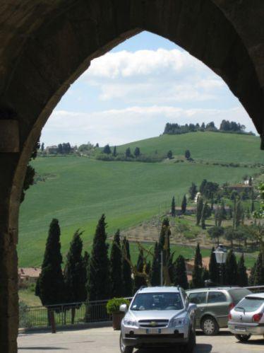 Monticchiello town gate