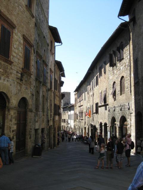 Tuscany Scenic Drive, a San Gimignano street
