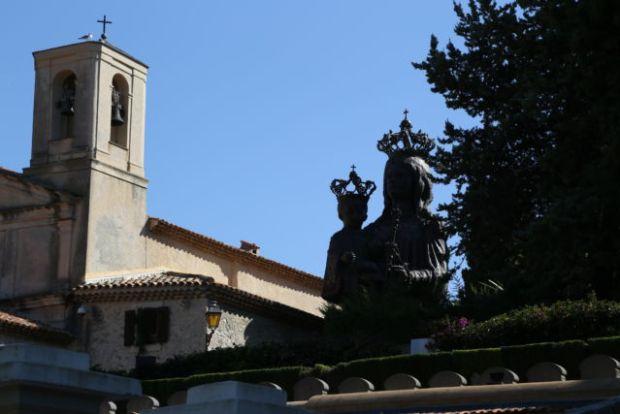 Walking around Cap-Ferrat, Chapelle Saint-Hospice Madone